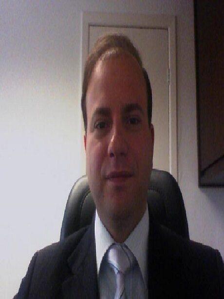 Dr. Breiner Ricardo Diniz Resende Machado